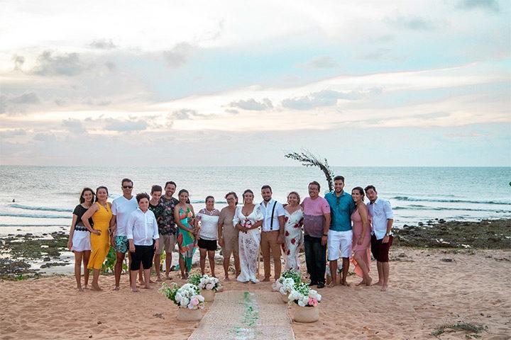 Casamento em Jericoacoara com convidados na praia