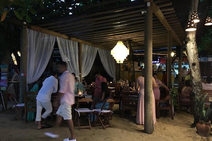 Festa de casamento em restaurante na praia de Jericoacoara